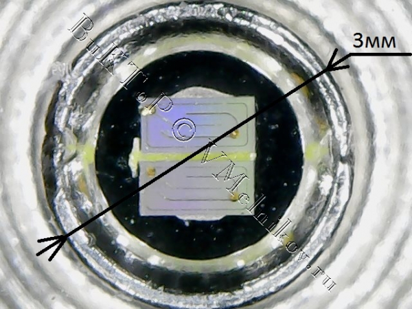 Кристалл поддельного светодиода 3 Вт из Китая под микроскопом